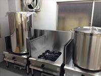 従来のビール製造のイメージを打ち破る、マイクロブルワリーの製造設備