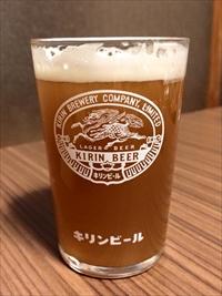 活きた酵母が入った、本物のクラフトビール。泡と濃さが違います。